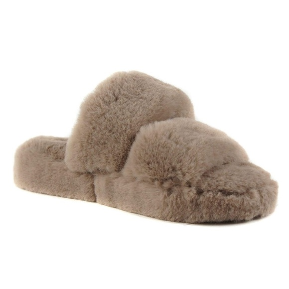 Soda Women Fuzzy Fluffy Sandals Taupe Light Brown
